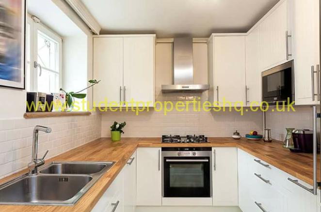 Cardigan Road, Hyde Park, LS6 1LU  Student Properties HQ -> Kuchnia Jaki Okap