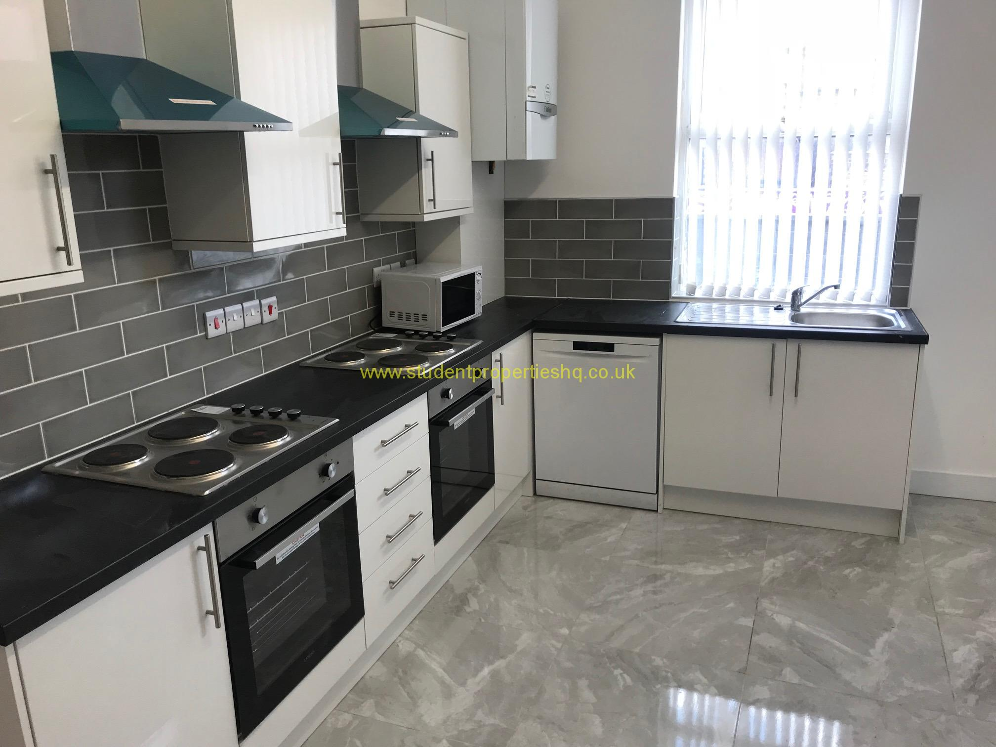Brudenell Road, Hyde Park, LS6 1BD